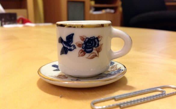 Les objets de mon bureau #8 : Tasse miniature